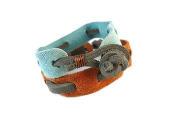 Grey Leather and Suede Bracelet Blue or Orange, Suede Jewelry Casual Bracelet Woven Design, Unisex Grey Accessories for Friendship