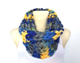 Blue Knit Snood Chunky Knit Scarf Women Knit Infinity Scarf Knitted Scarves for Women Knit Cowl Scarf Blue Knit Scarves Mother Day from Son