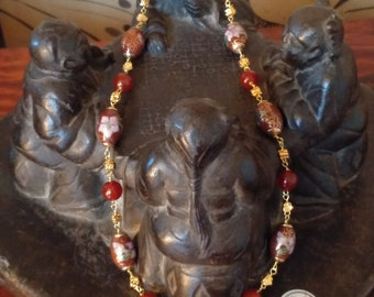 Chained necklace with oval cloisonné in Burnt brown and carnelian