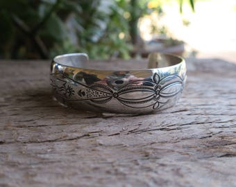 Vintage Domed Stamped Sterling Silver Stacking Cuff. Native American Vintage Sterling Silver Cuff. Boho Bohemian Women's Jewelry. E0019