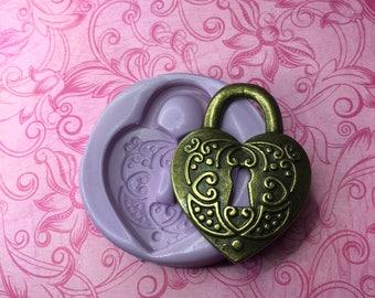 Heart Key Hole Pendant Mold Resin Clay Soap Wax Fondant Mould