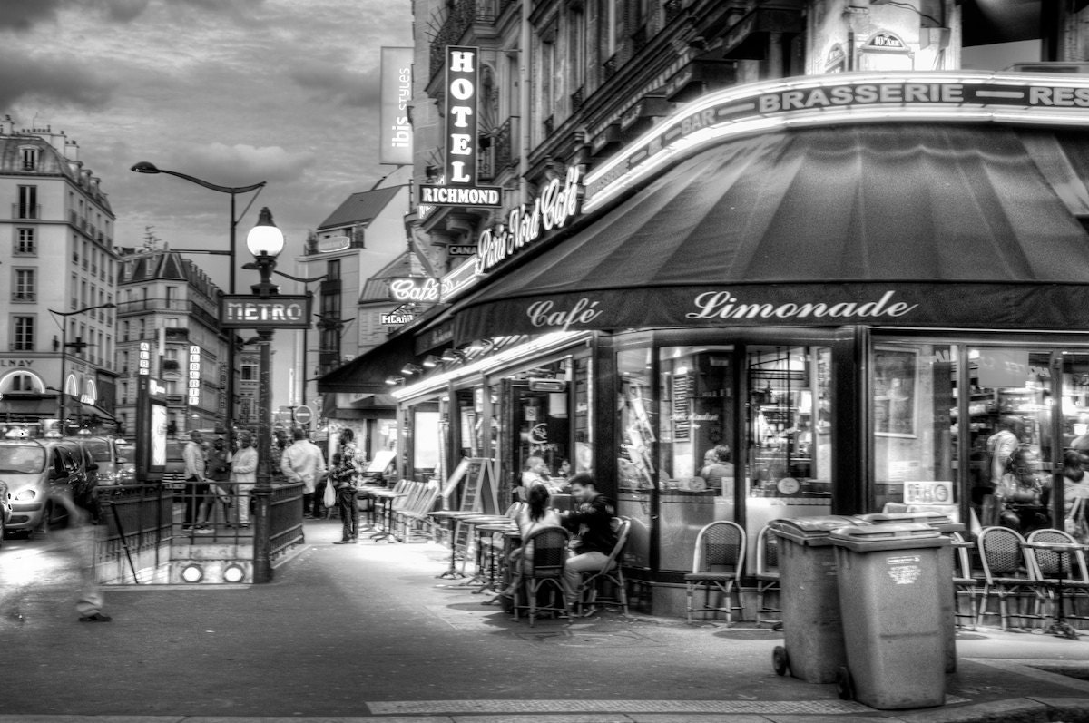 Paris France At Night Black And White