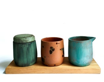 Ceramics Coffee service: Blue, green and terracotta + wooden base
