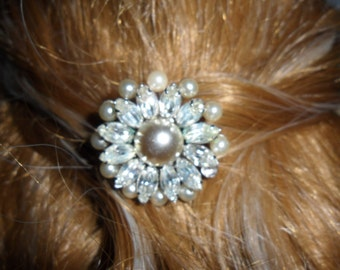Authentic Vintage SIGNED KRAMER NY  Rhinestone And Faux Pearl Silver Hair Comb
