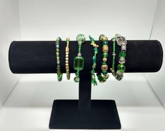 Set of 7 bracelets in beautiful green