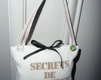 SECRETS de BRODEUSE -  hanging cushion hand made cushion