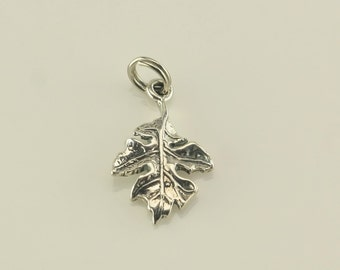 Vintage Leaf Sterling Silver Pendant 4/5 Inch Tall
