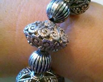 Handmade gothic stretch bracelet-silver-romance