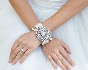 bridal bracelet, pearl and crystal Bracelet, Statement Bridal Bracelet, Bridal Cuff, Wedding Rhinestone Bracelet, swarovski pearl, LARISSA