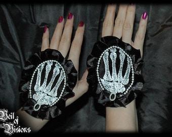 Skeleton Hands Cameo gloves