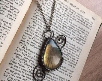 Swirly soldered labradorite pendant | soldered labradorite necklace | ooak necklace | flashy labradorite | swirl necklace | handmade jewelle