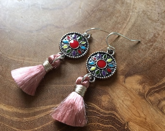 Boho Tassel old peach - A Bohemian pair of dangling earrings with colored enamel and a vintage silk tassel, grey, red, blue, green, yellow
