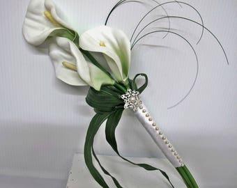 Calla lily bouquet - White calla lily brides bouquet,  White wedding bouquet,Pearl bridal bouquet, Arm bouquet,