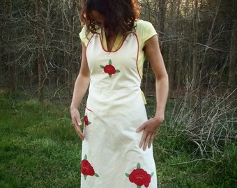 Vintage full apron pinafore with appliqué and hand embroidery