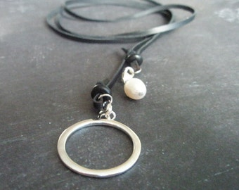 Leather lariat with pearl and sterling silver circle