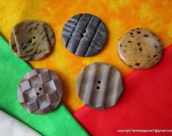0062 – Five Large Crafty Composition Conventional Designed Vintage Buttons