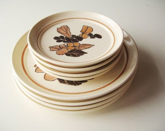 Homer Laughlin Dinnerware, Set of eight pieces, Retro Dinnerware, Midcentury