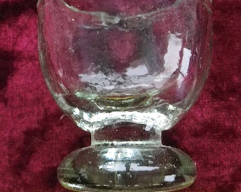 antique eye wash cup / clear glass