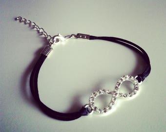 Bracelet cordon noir avec signe infini argenté strass
