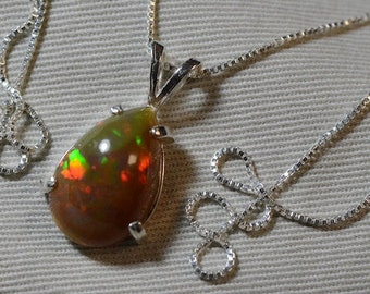 """Certified 5.00 Carat Solid Opal Pendant Appraised at 750.00 On 18"""" Necklace"""