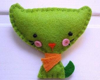 Cloth brooch-Green felt-cat