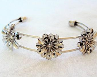 Flower Bangle Bracelet