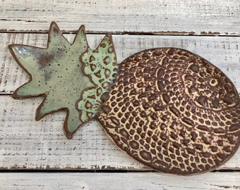 Pineapple Spoon Rest-  Ceramic Dish - Spoon Rest - Soap dish - brown green- One of a kind- Lace pottery- Kitchen decor- Stovetop- lace