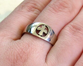 Sterling Silver Cut-Work Cross Ring ~ Christian Cross Ring ~ Nun's Ring ~ Promise Ring ~ size 6