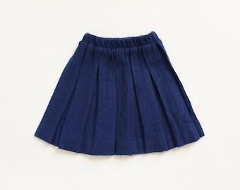 "Vintage 1960s Girls Size 4 Skirt, Navy Blue Pleated Acrylic Knee Length Skirt, w16-22"" L13.5"""
