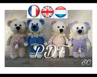 """PDF pattern tutorial of Mama bear """"Entrepreneurial and his pacifier"""" available in French, English and Dutch"""
