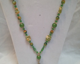 """New Handmade Vintage Lime Green Lucite & Glass Beaded Necklace W/Fossil Fish Pendant 38"""""""