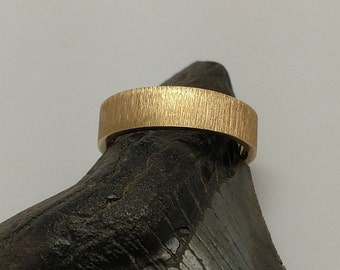 14k Yellow Gold Textured Band