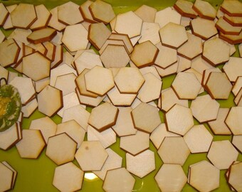 The shape of 100 20 mm 02883 3mm wooden hexagons