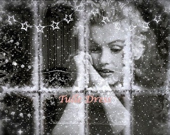 Marilyn Glittery Snowflake Holiday Customized Christmas Cards (set of 10)
