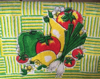 Vintage Vegtables and Flowers Kitchen Towel 1970's Linen Home Decor