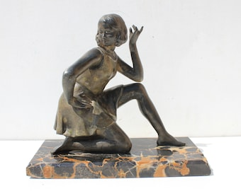 Geo Maxim, French Art Deco Sculpture 1930's on a marble base ,young women ,signed.