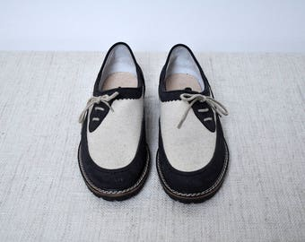 NOS Vintage Suede and Canvas Navy and Beige Side Lace Up Flat Preppy Country Oxford Shoes