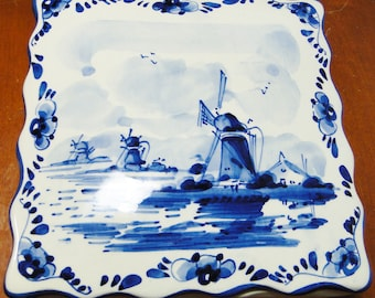 """Beautiful Vintage Delft Blue Windmill Square Covered Box 1 7/8"""" Tall X 6"""" Square Marked Delft Blue Handpainted Made In Holland Great Find!"""