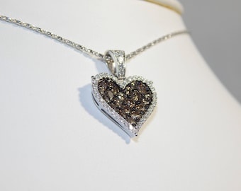 Elegant 18K Gold Necklace 5.7G . Diamond 1.57CT