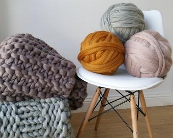 Grey Arm knitting Super bulky Chunky jumbo yarn 500g xxl wool giant merino wool yarn hand spun chunky knitting UK seller