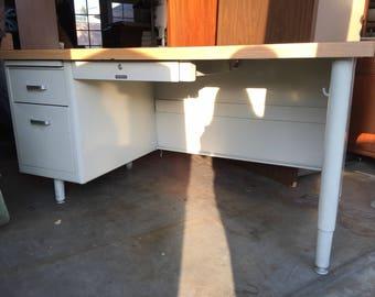 McDowell & Craig Single Metal Tanker Desk