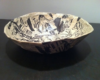 Bowl of paper mache - handmade - comic strip from the 70's Decor