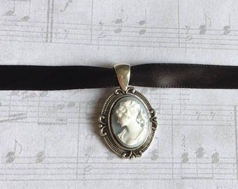 Victorian Cameo Necklace, Victorian Necklace, Cameo Pendant, Cameo Necklace, Victorian Cameo Pendant, Fairytale Gift, Fairytale Jewelry