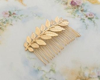 Gold Leaf Hair Comb.Gold Branch Hair Comb.Gold Leaf Bridal headpiece.Leaf fascinator.Gold Leaf hair accessory.wedding hair piece.bride