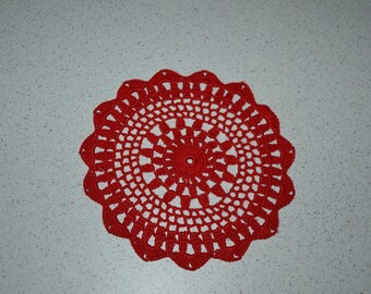 Handmade red doily 18 cm, crocheted with fine cotton