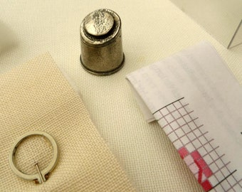 embroidered thimble kit , Elizabeth R.Anderson miniature Embroideries