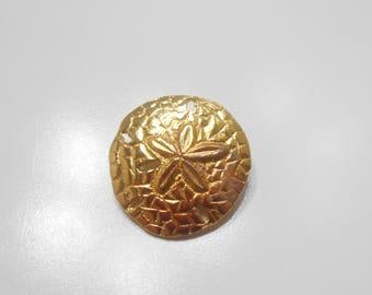 Gold Tone Sand Dollar Brooch (7051)