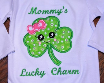 Girl St. Patrick's Day bodysuit,baby girl St. Patrick's Day bodysuit,Girl Clover shirt,Lucky Charm shirt,St. Patty's Day shirt,Green shirt