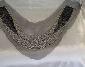 The trend - collar sewing - gray pearls and black wands