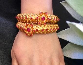 Elegant imitation gold and red stone bangle set